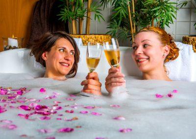 Zwei Mädels im Wellness Kurztrip im Hotel Resort Schloss Auerstedt