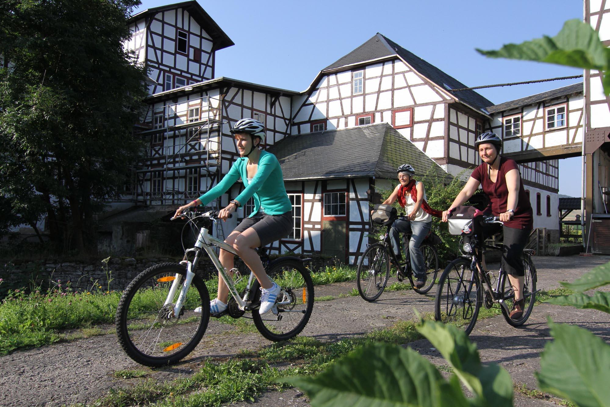 Senfmühle in Kleinhettstedt auf dem Ilmtal Radweg Foto: Uwe Germar  Weimarer Land Tourismus