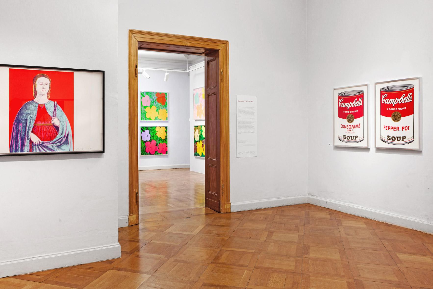 Ansicht Bilder des Künstlers Andy Warhol im Kunsthaus Apolda