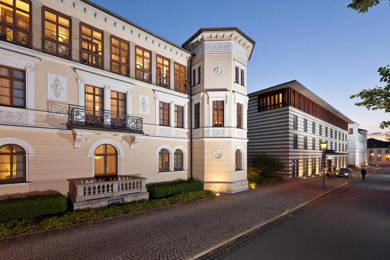 Hotel Dorint am Goethepark Weimar Abendliche Außenansicht