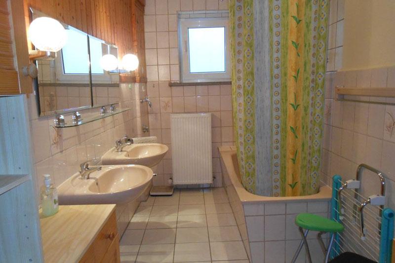 Ferienwohnung Füldner Badezimmer