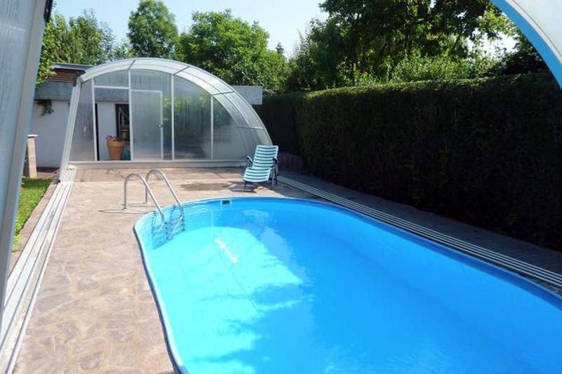 Ferienwohnung am Schenkgarten Kromsdorf Garten Pool