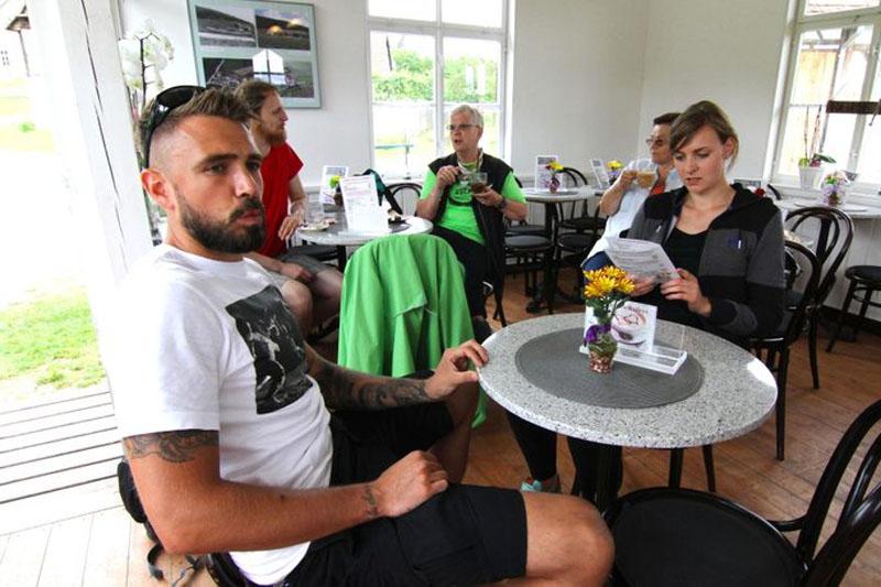 Wir stärken uns im Museumscafé von Hohenfelden.
