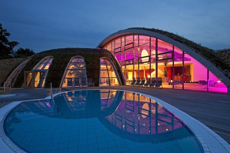 Hotel an der Therme Toskanaworld Nachtaufnahme