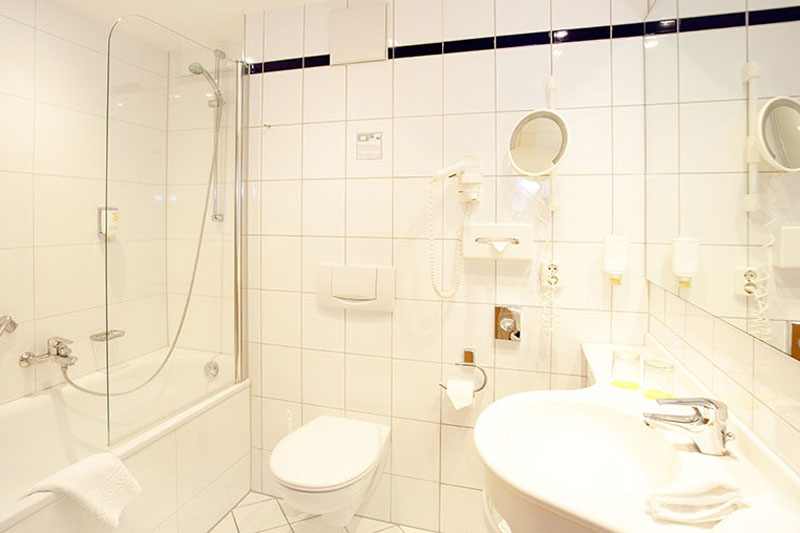 Hotel Anna Amalia Weimar Standard Junior Suite Badezimmer