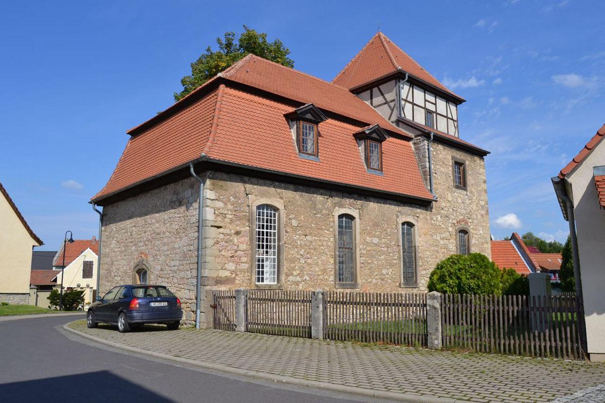 Kirche Vollersroda auf dem Feinigerradweg