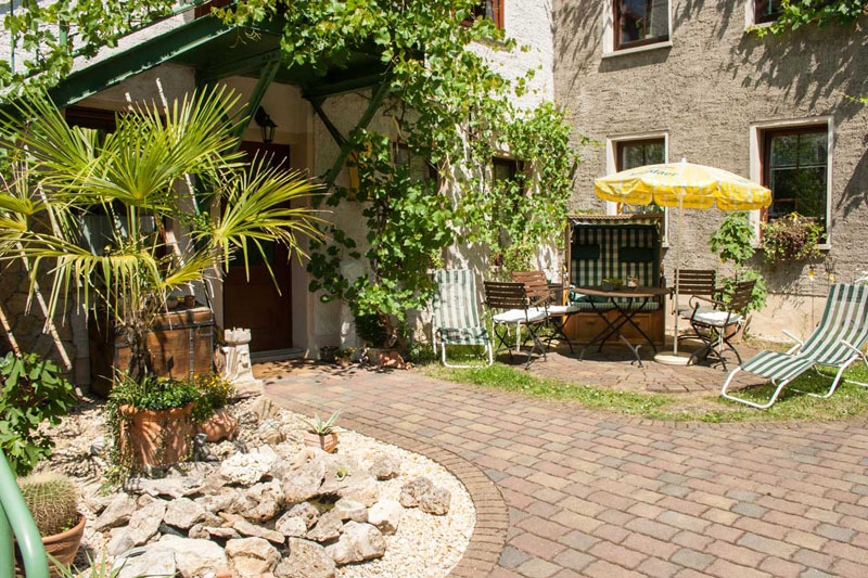 Pension Scheer Terrasse Garten