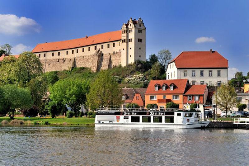 Burg Wettin an der Saale / © Wolfgang Kubak