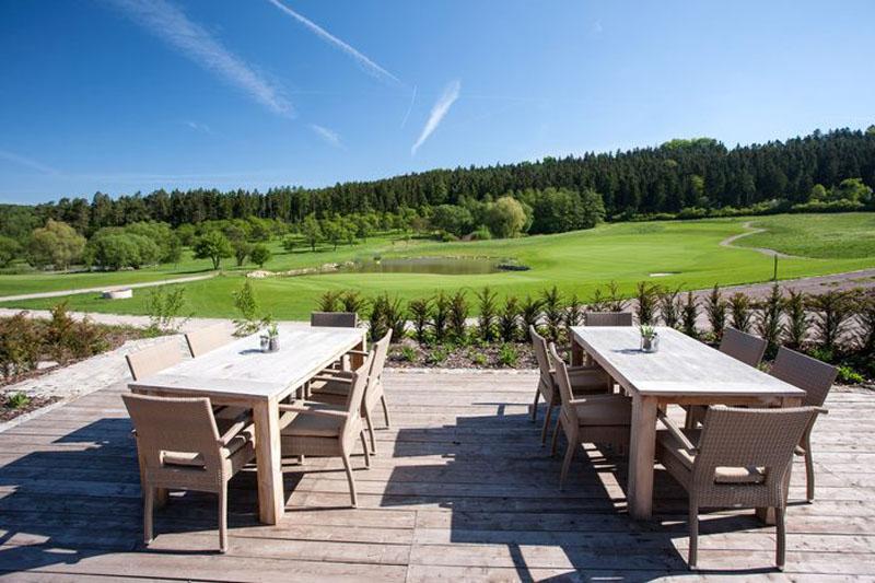 Spa & Golf Resort Weimarer Land Blankenhain Sonnenterrasse Golfhütte