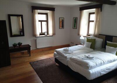 Lamu-Haus in Auerstedt Blick ins Zimmer